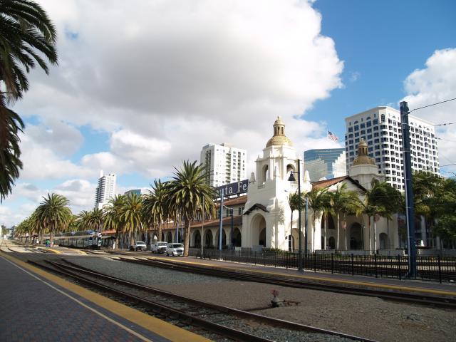 PB280061_Bahnhof SF
