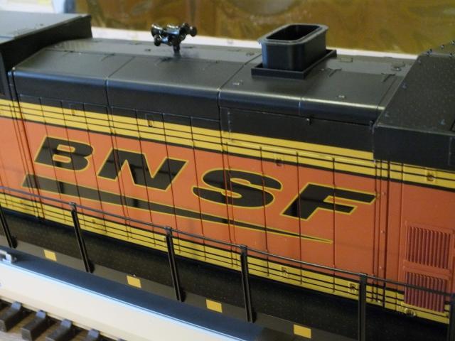 DSCF0701_Dash 9 BNSF Swoosh_